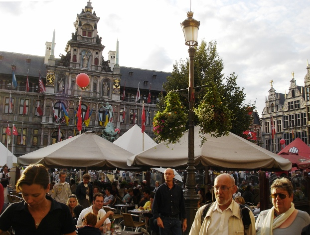 001_oude_stad_grote_markt_festival_