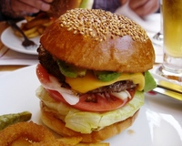 050521_brozers_avocado_cheese_burger