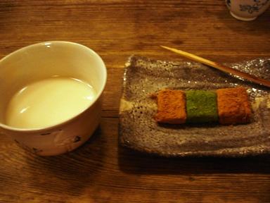 060126_amazake_and_warabimochi__ueno_inshoutei__013