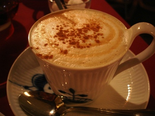 060127_cappchino_of_cafe_daisy_008