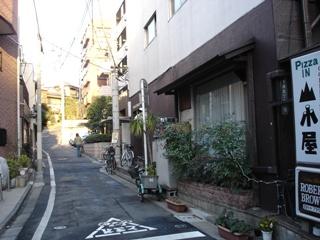 060129muna_tsuki_zaka_040