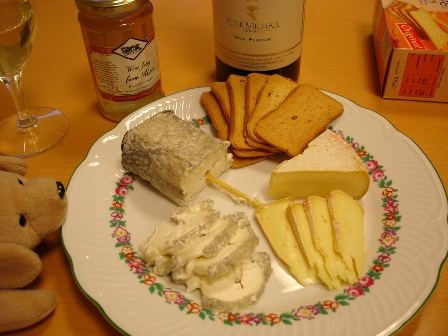 cheese__wine_mon_plaisir_051224_cheese_on_the_table_005